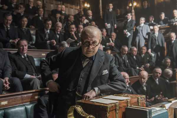 Темные времена ( Darkest Hour ),  2017